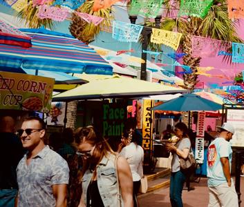 Amigo Free Walking Tours | People Walking At the Street
